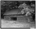 South front and east side - Long-Hutchison Farm, Tenant Barn, County Road 123, Lowndesville, Abbeville County, SC HABS SC,1-LOWN.V,5B-4.tif