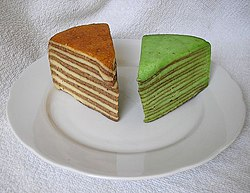 Plain spekkoek and spekkoek flavoured with pandan