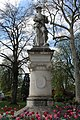 Statue Cousin Sens 3.jpg