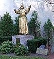 Statue II - panoramio.jpg