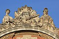 Statues sur le fronton du Capitole de Toulouse 5.jpg