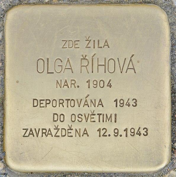 File:Stolperstein für Olga Rihova (Chrudim).jpg