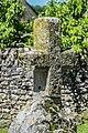 Stone cross in Toulonjac 02.jpg