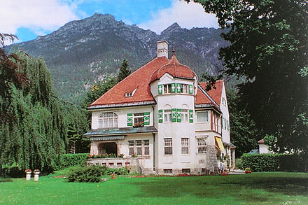 Strauss villa at Garmisch-Partenkirchen. Built 1906. Architect: Emanuel Seidl. Strauss Haus Garmisch.JPG