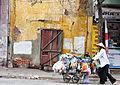 Street vendors in Hanoi, Vietnam 1.jpg