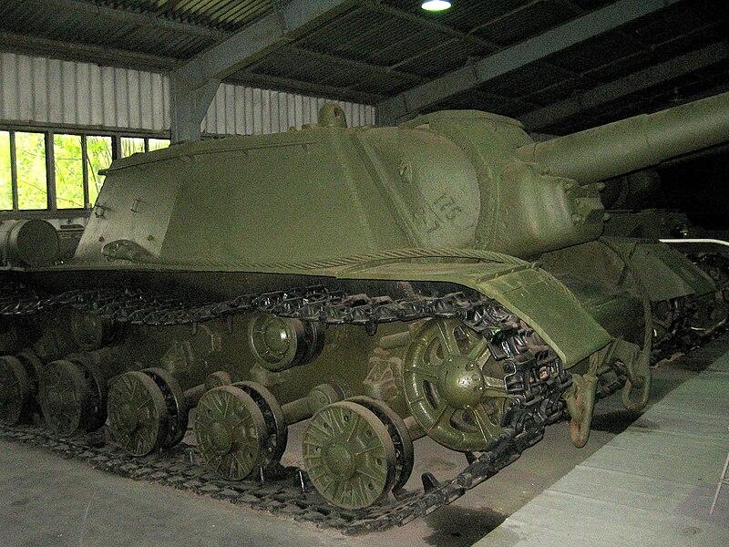 SU-152 preserved at the Kubinka museum