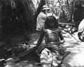 Svårt sjuk corotiman till vilken man gjort ett ryggstöd. Bolivianska Chaco. Gran Chaco - SMVK - 004805.tif
