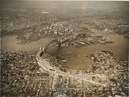 Sydney Harbour in 1932 Sydney 1932.jpg