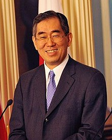Takeaki Matsumoto cropped 1 Takeaki Matsumoto and Hillary Rodham Clinton 20110429.jpg