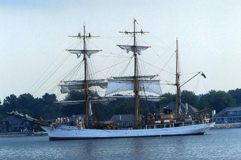 File:Tall Ship cruise, Sturgeon Bay canal, 2006.jpg