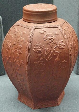 Tea caddy - Image: Tea canister, c. 1710 1715, Meissen, Bottger red stoneware Gardiner Museum, Toronto DSC01074