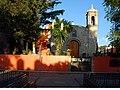 Templo de San Nicolás de Tolentino desde el parque. Tlaxcala, Tlax. México.jpg