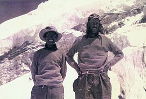 English: Tenzing and Hillary. Photo from the c...