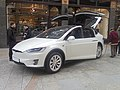 Tesla Model X, Victoria Quarter, Leeds (16th February 2018).jpg