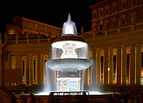 "The ""ancient fountain"" of St. Peter's Square at night.jpg"