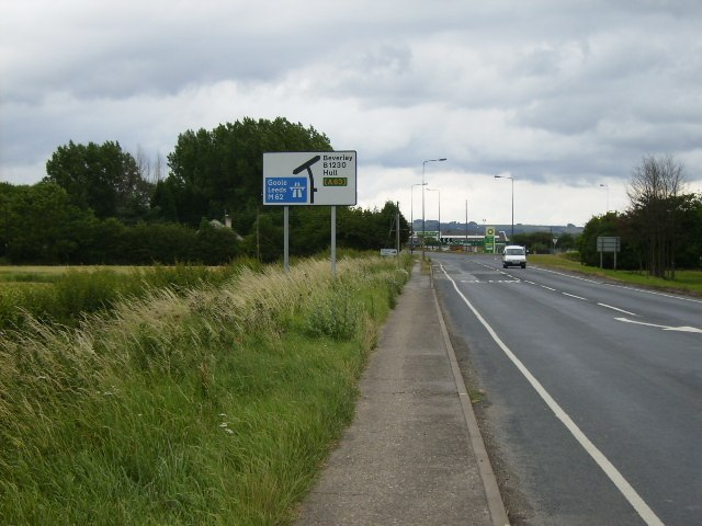 The B1230 approaching the M62 junction near Newport - geograph.org.uk - 198870