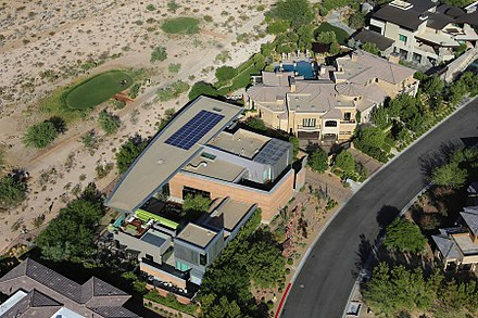 Houses in the affluent Summerlin South area of the valley The Ridges in Summerlin.jpg