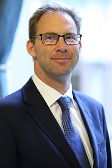 Tobias Ellwood MP.jpg