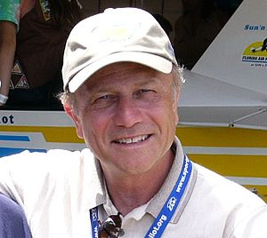 Tom Poberezny - Poberezny at the Sun 'n Fun airshow in 2004