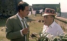 Totò & Nino Manfredi in Operazione San Gennaro (1966).jpg