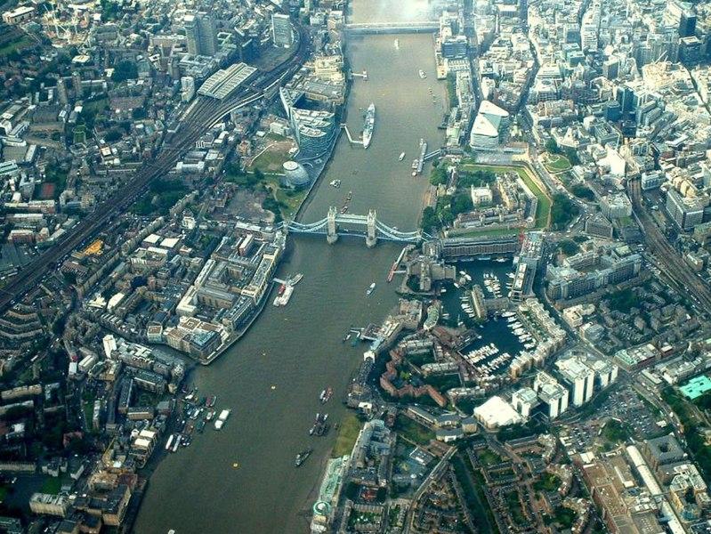 Файл:Tower-bridge-air.jpg