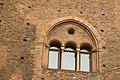 Trifora di Palazzo Re Enzo.jpg