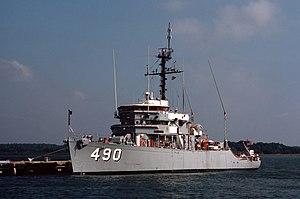 USS Leader (MSO-490) docked at Naval Station Charleston, South Carolina (USA), on 1 October 1984 (6432577).jpg