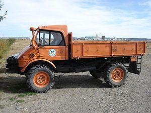 Instituto Antártico Argentino - Unimog vehicle