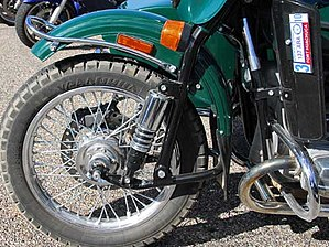 Motorcycle fork - Ural's variant of the leading link fork
