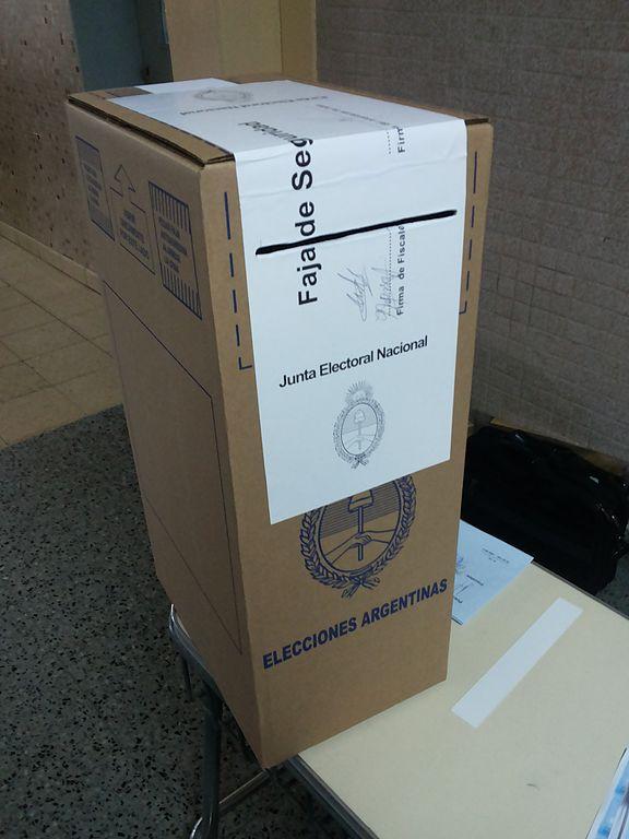 Urna electoral de las elecciones generales de 2015. Trelew, Chubut, Argentina.