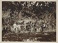 UvA-BC 300.319 - Siboga - inheemse bewoners van Timor samen met het echtpaar Weber en een ander lid van de expeditie aan de oostkant van het eiland.jpg