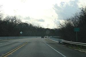 Victory Bridge (Florida) - Center line on U.S. Route 90.