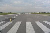 Vienna International Airport Runway 29 03.jpg