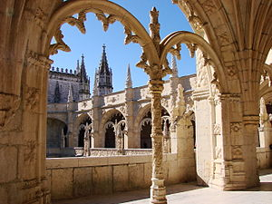 Jerónimos Monastery - Manueline ornamentation in the cloisters of Jerónimos Monastery