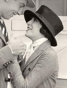 Virginia Fox 1922.jpg