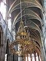 Votivkirche Luster Decke.jpg