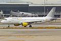 Vueling, EC-KDH, Airbus A320-214 (16269460120).jpg