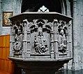 Walcourt Basilique St. Materne Innen Kanzel.jpg