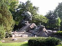 Weltpostdenkmal Bern.jpg