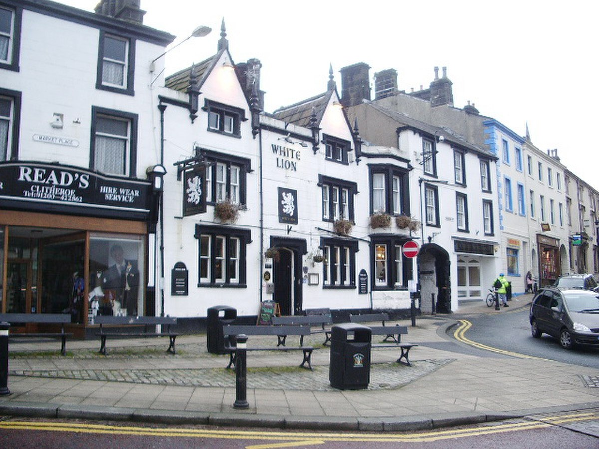 White Lion, Market Place, Clitheroe - geograph.org.uk - 747290.jpg