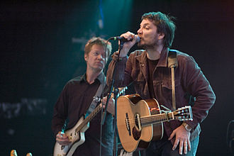 Tweedy singing with Wilco in 2007 Wilco - Roskilde Festival 2007.jpg
