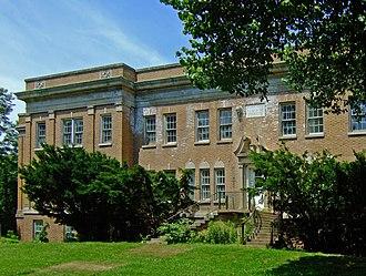Mendota Mental Health Institute - The main building of the Wisconsin Memorial Hospital
