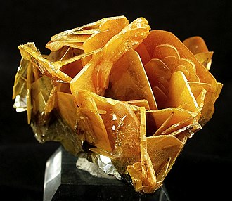 Wulfenite - Image: Wulfenite 251130