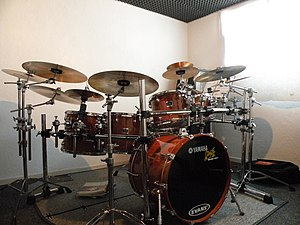 Yamaha Drums - Oak Custom drum kit.