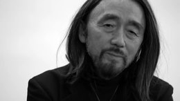 Bestand:Yohji Yamamoto in A Kind of Woman by Matthew Donaldson.webm