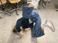 Zoé Aymon faisant la figure du scorpion en 2021.png