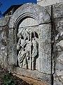 Église Saint-Marc de Montréal - Sculpture au pied de la croix, profil.jpg