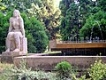 Ülő nő (Kampfl József, 1968). - Békés megye, Nagyszénás 2011, Táncsics Mihály utca 3. - panoramio.jpg