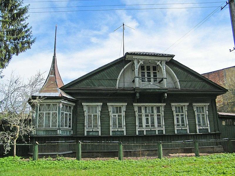 Вышний Волочёк. Старый деревянный дом..jpg