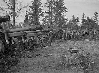 Battle of Porlampi - Soviet artillery pieces of the 101st Howitzer Artillery Regiment captured at Porlampi